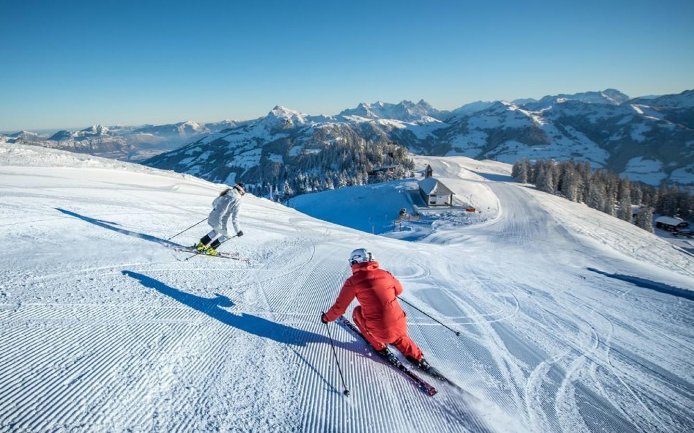 Austria-Skiing-Box